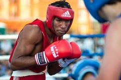 Un match de boxe Osleys Iglesias, Cuba et Salah Mutselkhanov, Russie Victory Osleys Iglesias Images stock