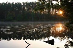 un matin plus tôt de lac Photo libre de droits
