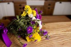 Un mazzo dei fiori della sorgente fotografia stock
