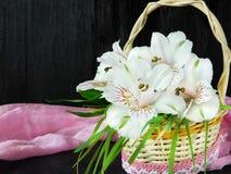 Un mazzo dei fiori di alstroemeria Primo piano Fotografia Stock Libera da Diritti