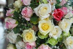 Un mazzo delle rose variopinte Immagini Stock