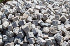 Un mazzo di blocchi di pietra pronti per ricostruzione Fotografie Stock Libere da Diritti