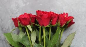 Un mazzo di rose rosse fotografia stock