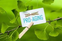 Un mejor Favorable-envejecimiento que antienvejecedor imagen de archivo