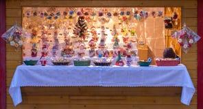 Un mercato di 2017 Natali del quadrato principale di Sibiu, la Transilvania, Romani Fotografia Stock