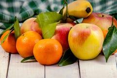 Un mezclado de frutas frescas Fotografía de archivo libre de regalías