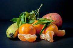 Un mezclado de frutas frescas Fotos de archivo