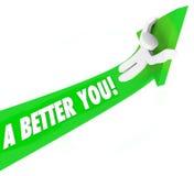 Un migliore 3d esprimete l'uomo che guida il miglioramento verde di auto della freccia lui Fotografia Stock