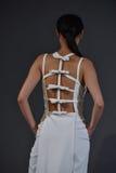 Un modèle pose présentation pendant de Viktor et de Rolf Mariage Spring /Summer 2018 collection Images stock