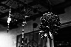 Un modello astratto in bianco e nero con un elemento del cono fotografia stock libera da diritti