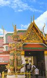 Un modello gigante Arun Wanaram Temple, Bangkok, Tailandia Data: 10/21/2015 fotografia stock libera da diritti