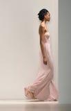 Un modelo camina la pista en la demostración nupcial 2018 de Kelly Faetanini Spring /Summer fotos de archivo libres de regalías