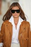 Un modelo camina la pista que lleva a Ralph Lauren Spring 2016 durante semana de la moda de Nueva York Fotografía de archivo libre de regalías