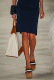 Un modelo camina la pista que lleva a Ralph Lauren Spring 2016 durante semana de la moda de Nueva York Imagenes de archivo