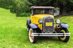 Un modelo 1930 del coche de Ford en Haines, Alaska Imagen de archivo