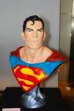 Un modelo del superhombre del carácter de las películas y de los tebeos fotos de archivo