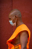 Un moine bouddhiste de Wat Thmei, Siem Reap, Cambodge Image libre de droits