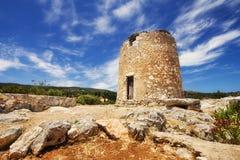 Un molino de viento viejo en Askos, isla de Zakynthos Foto de archivo