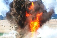 Un moment d'un logement puissant d'explosion Images libres de droits
