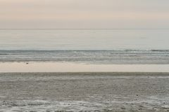 Un moment de calme sur la plage Grado, l'Italie image libre de droits