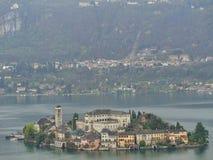 un monasterio en una isla en suizo imágenes de archivo libres de regalías