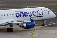 Un monde sur l'avion de Finnair Photos libres de droits
