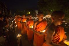 Un monje, Asalha Puja Day - 30 de julio: Asalha Puja Day, MES budista Imagen de archivo libre de regalías
