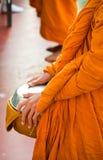 Un monje en la acción Fotos de archivo libres de regalías