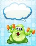 Un monstruo verde que ejercita con una plantilla vacía de la nube Imagen de archivo