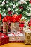 Un montón de regalos Imágenes de archivo libres de regalías