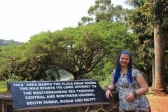 Un monumento dedicato al posto in cui Nile River proviene dal lago Vittoria fotografia stock