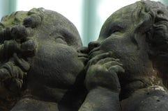 Un monumento di due angeli a Dresda Immagini Stock