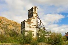 Un monumento storico a partire dai giorni di estrazione dell'oro a yellowknife Immagine Stock Libera da Diritti