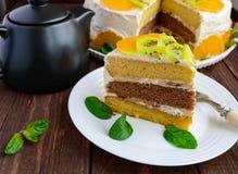 Un morceau de gâteau de fruit Photographie stock libre de droits