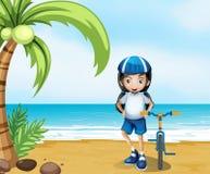 Un motociclista femminile che sta alla spiaggia Immagine Stock Libera da Diritti