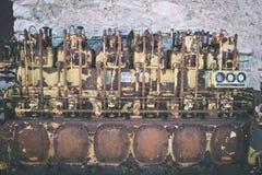 un motor diesel anticuado viejo - efecto de la película del vintage foto de archivo