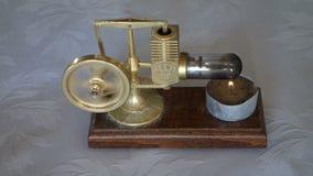 Un motor miniatura de Stirling en el movimiento metrajes