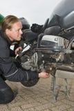 Un motorista que tiene problemas Fotos de archivo