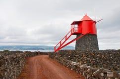 Un moulin à vent sur l'île Pico Images libres de droits