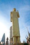 45 un mtr Buddha dorato alto a Roi Et Thailand Immagine Stock