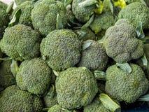 Un mucchio dei broccoli Fotografie Stock Libere da Diritti