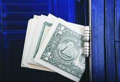 Un mucchio delle banconote degli Stati Uniti con i ritratti di presidente Contanti delle banconote in dollari, immagine di sfondo Immagini Stock