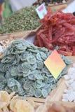 un mucchio delle fette secche del kiwi Fotografia Stock