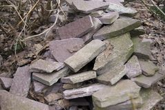 Un mucchio delle pietre naturali piane per la decorazione domestica Fotografia Stock