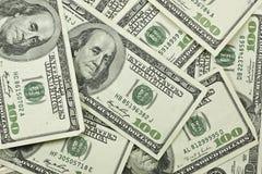 Un mucchio di 100 fatture del dollaro Fotografia Stock Libera da Diritti