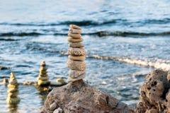 Un mucchio di roccia alla costa Immagine Stock Libera da Diritti