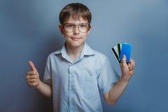 Un muchacho de 10 años de aspecto europeo con Imágenes de archivo libres de regalías