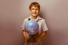 Un muchacho de 10 años de aspecto europeo con Fotos de archivo libres de regalías