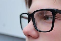 Un muchacho es colegial o un estudiante del adolescente fotografía de archivo