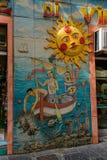 Un mur étonnant de rue, Vietri Images libres de droits